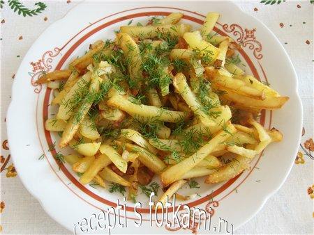 Как пожарить картошку с луком на сковороде с салом