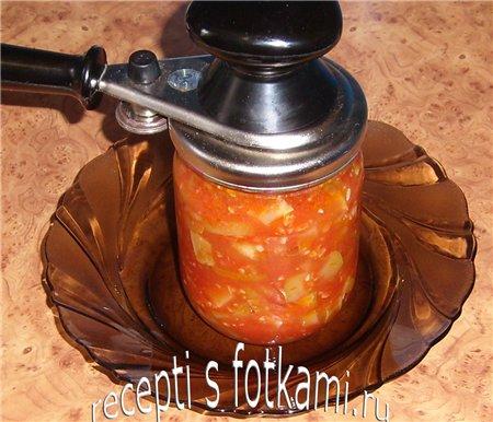 Закатываем салат из кабачков