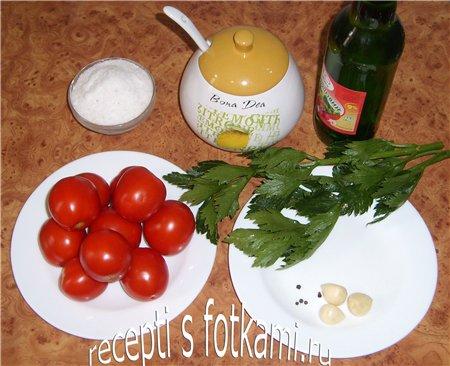 Ингредиенты для маринованных помидор на зиму